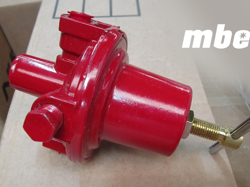 MBE-Burner-Regulator-.25-10-30psi-Red-01